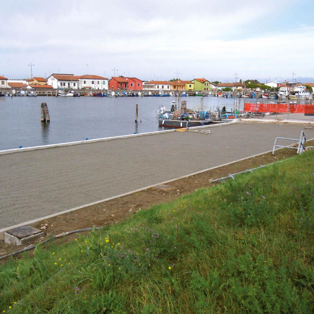 Construction of Quays – Lightweight Backfill
